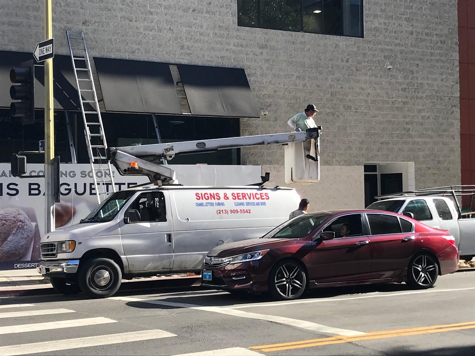 Unsafe Bucket Truck In Los Angeles Osha Forklift Training
