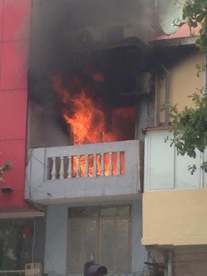 Hiện trường vũ cháy ngôi nhà 4 tầng ở phố Lê Duẩn HN