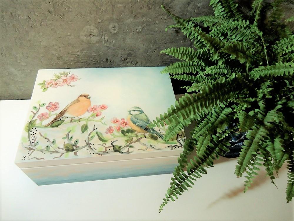 skrzynia dekupage, ptaki dekupage, ombre,  cieniowane farbą