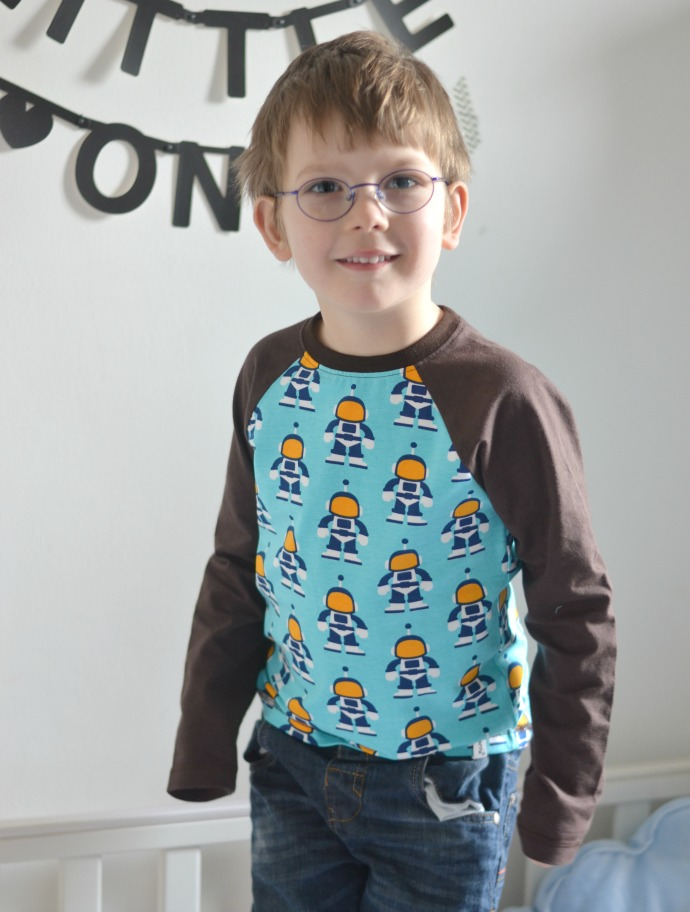 maxomorra raglan, maxomorra spaceman print, four year old maxomorra