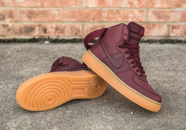 finest selection 3c257 14033 Nike WMNS Air Force 1 High SE