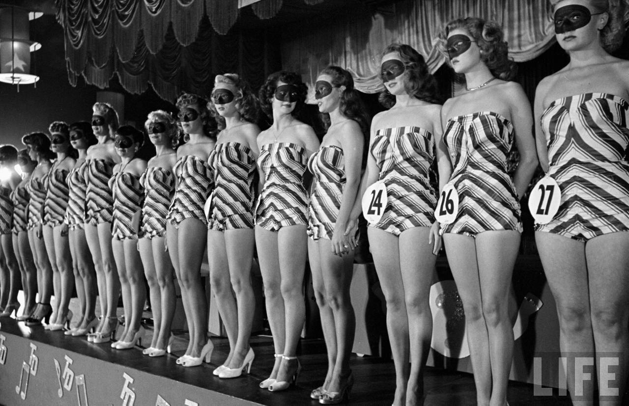 pictures from a beautiful legs competition in los angeles  1949