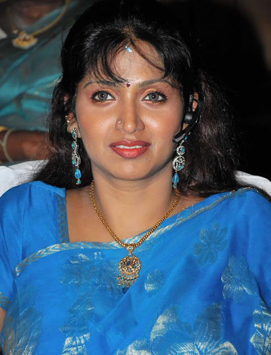 puvaneswari in saree latest photos