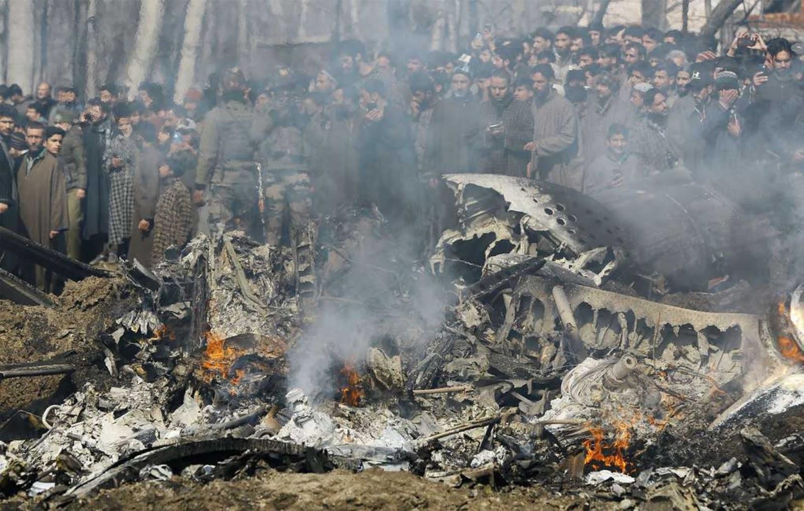 Helikopter Angkatan Udara India jatuh dua pilot tewas