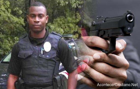 Policía atacado por delincuentes
