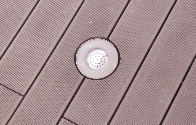 LED svítidlo ve wpc terase