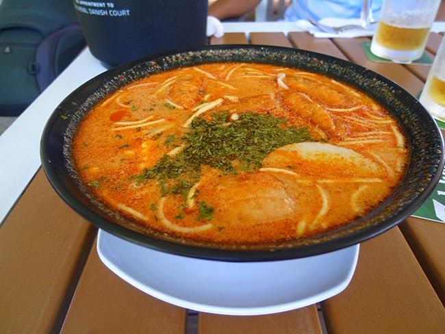 Laksa, comida indonesia