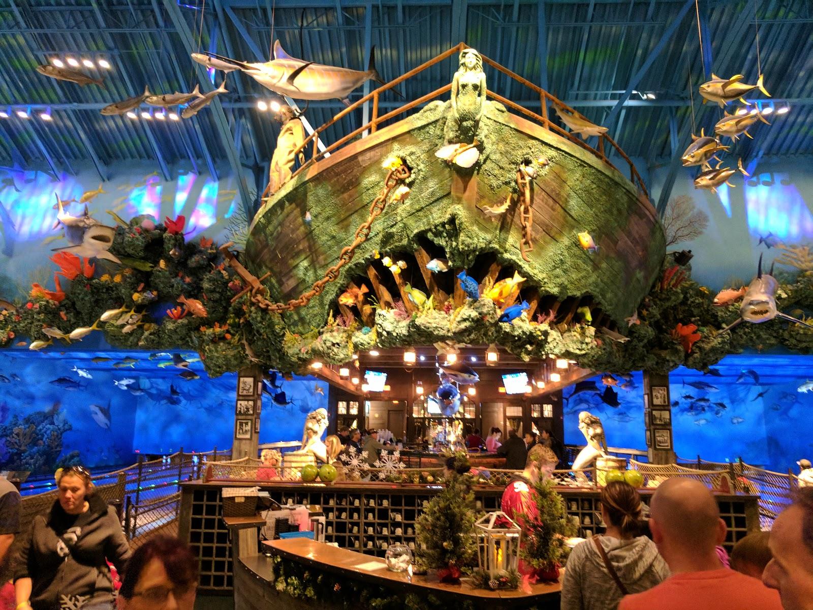 The San Jose Blog: Uncle Buck's Fish Bowl & Grill @ San Jose Bass Pro Shops