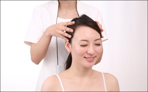 頭皮が硬いとハゲやすいが、無理やり頭皮を柔らかくすることもNG!
