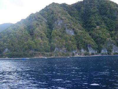 Tempat wisata pertama di  Padang Lawas atau yang biasa yang disebut Palas adalah Aek Siraisan. Kawasan Aek Siraisan ini adalah sungai yang panjangnya kira -kira 1 km yang digunakan sebagai pemandian alam terbuka sejak dulu oleh warga setempat.