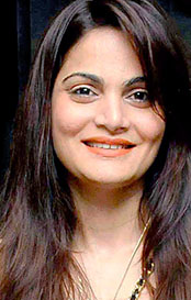 alvira khan agnihotri age,husband,wedding photo,biography,daughter,date of birth,kids,wiki,salman khan sister, marriage,children