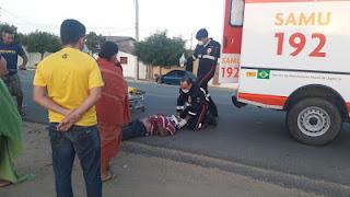 Homem cai de motocicleta em alta velocidade na entrada de Nova Palmeira