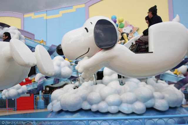 Flying Snoopy Ride in Universal Studios