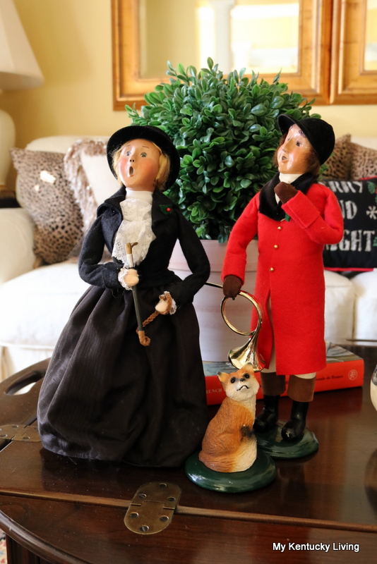 Byers Carolers man and woman equestrian couple