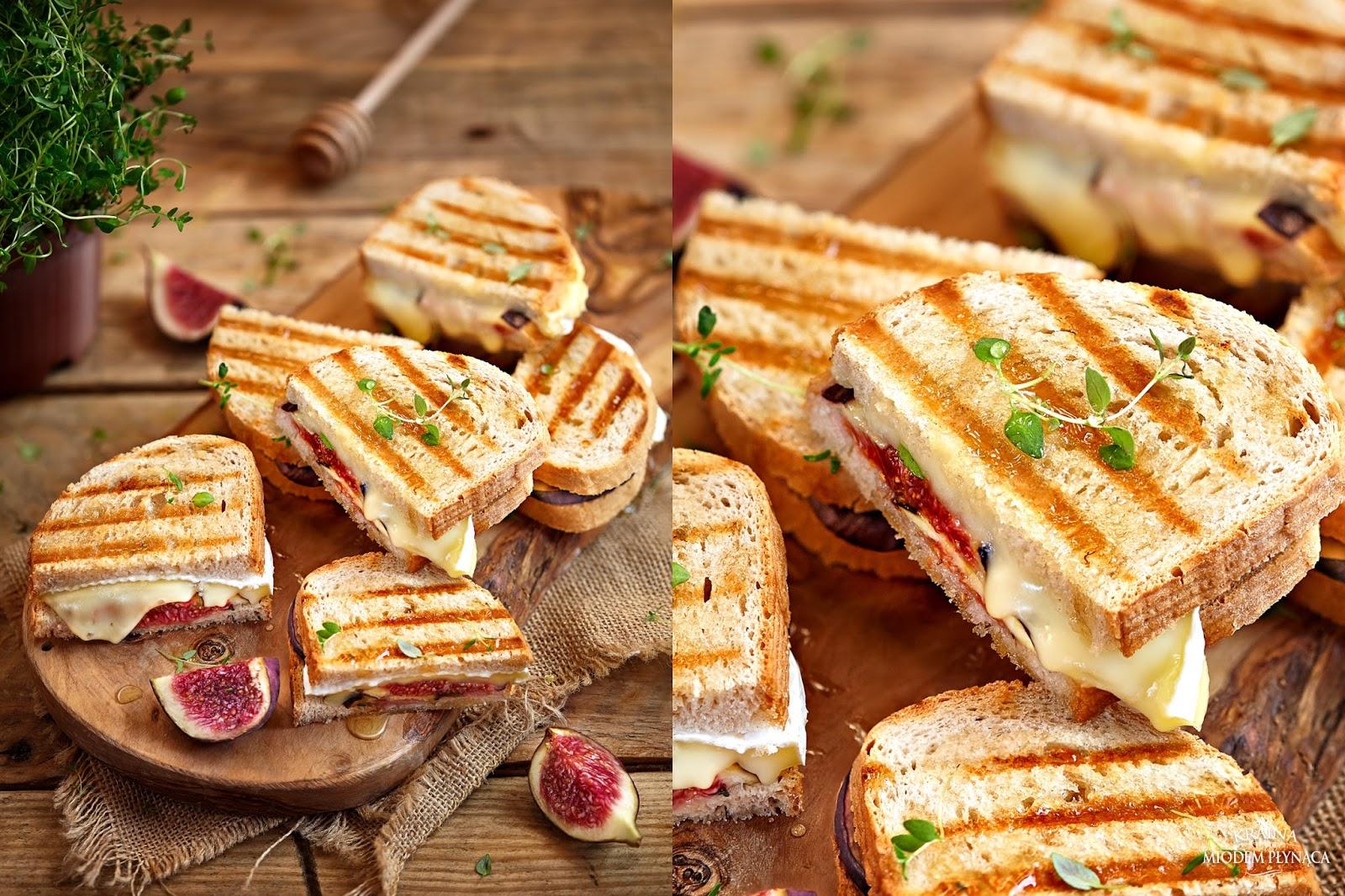 tosty z figą, tosty z serem pleśniowym, zapiekany chleb, tosty z opiekacza, pomysł na figi, świeże figi, kraina miodem płynąca