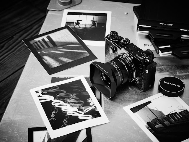 Fotografia della Olympus PEN-F colore nero