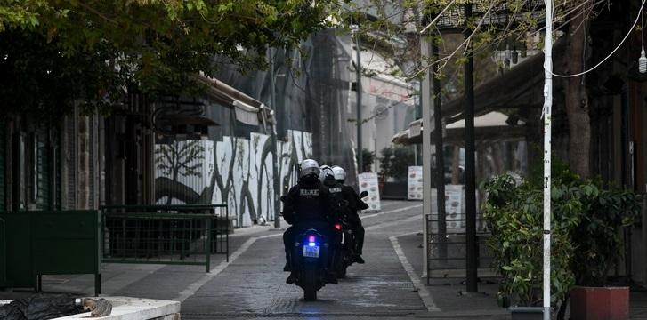 Περιπολίες σε εκκλησίες, drones και επεμβάσεις αστυνομικών σε ιδιωτικούς χώρους (ΒΙΝΤΕΟ)