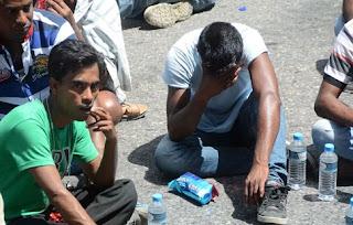 Ηλεία: Κάηκε κατάλυμα μεταναστών στη Μανωλάδα – Στο σημείο η Αχτσιόγλου