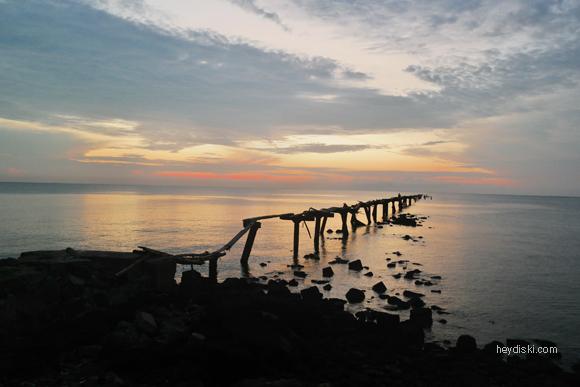 sunrise pantai olivier belitung