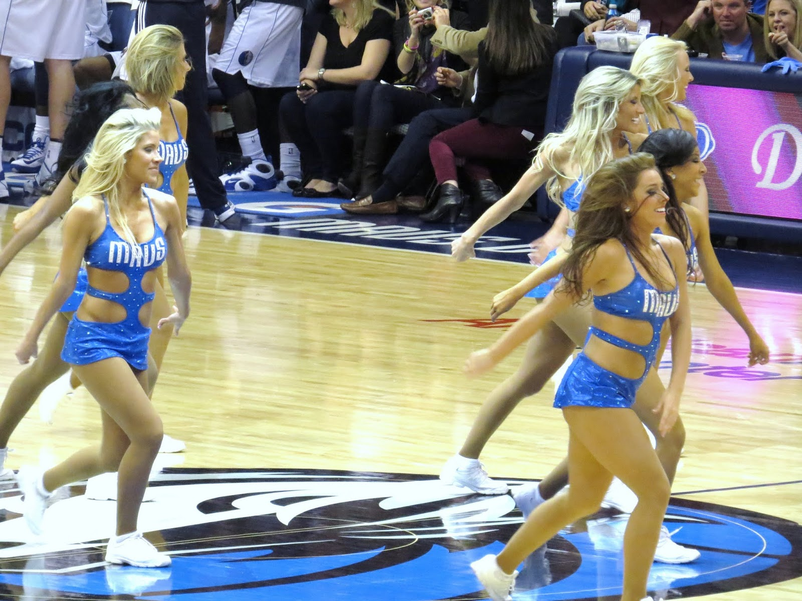 Raptors In Pictures Megi In Texas Dallas Mavericks Vs