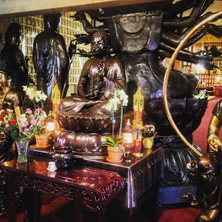 City of 10,000 Buddhas