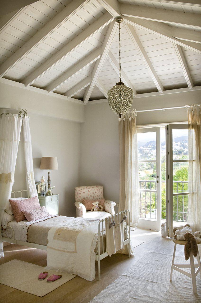 Dormitorio para una adolescente cocochicdeco for Dormitorio blanco y madera