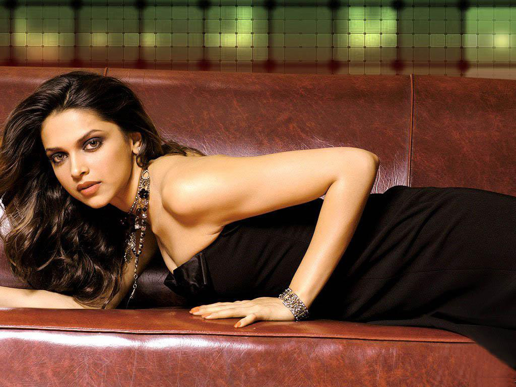 Free Download Wallpaper Hd  Bollywood Actress Deepika -3788