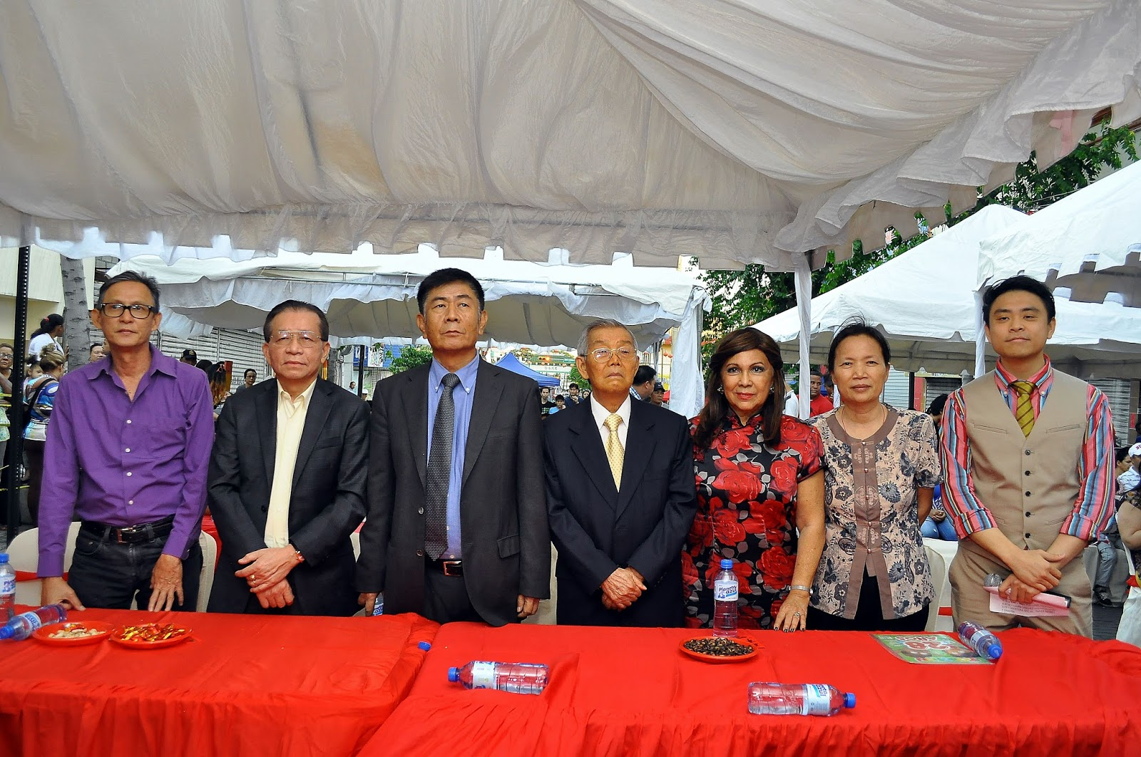 Las sociales y espectaculos la comunidad china celebra el for Espectaculo chino en mexico