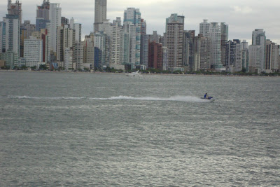 Vista de Balneário Camboriú desde o Molhe da Barra Sul
