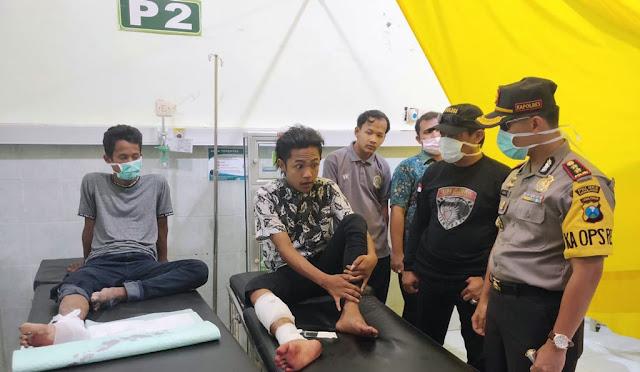 Kapolres didampingi Kasat Reskrim saat melihat kondisi kedua pelaku curanmor