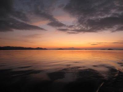 Senja di sekitar Pulau Kambing, Flores, NTT