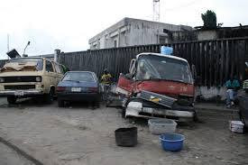 Evacuation of abandoned vehicles on Lagos roads