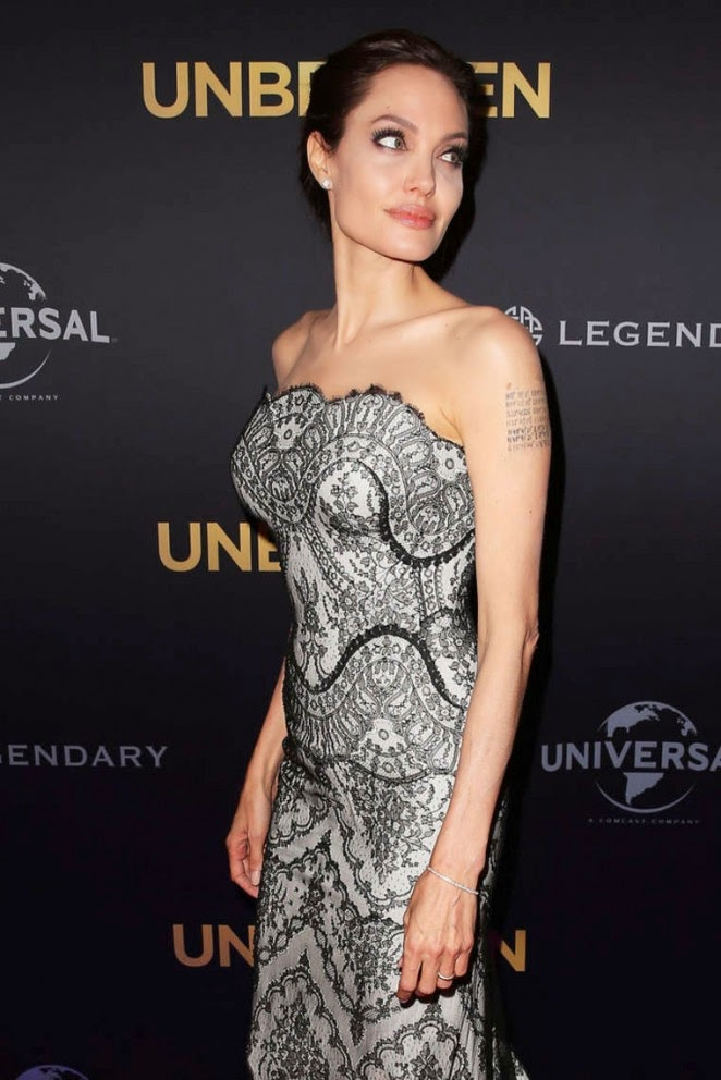 Angelina Jolie stuns in a strapless gown at the 'Unbroken' premiere in Sydney