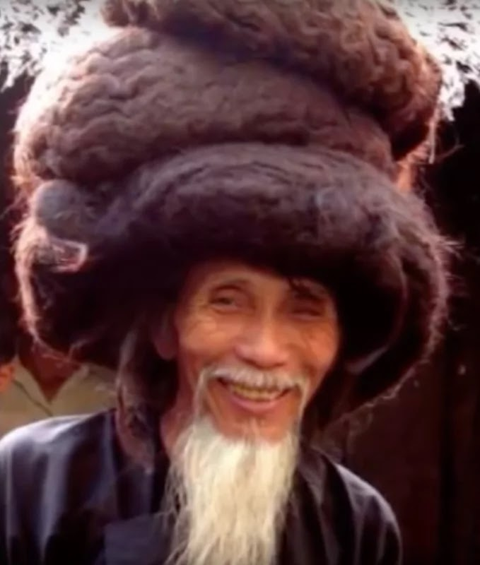 man grows hair for 50 years haven t washed it for over 11. Black Bedroom Furniture Sets. Home Design Ideas