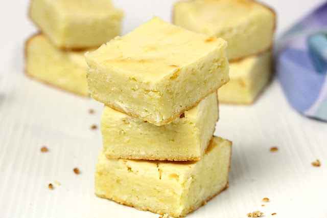 LEMON BLONDIES WITH CREAM CHEESE AND WHITE CHOCOLATE