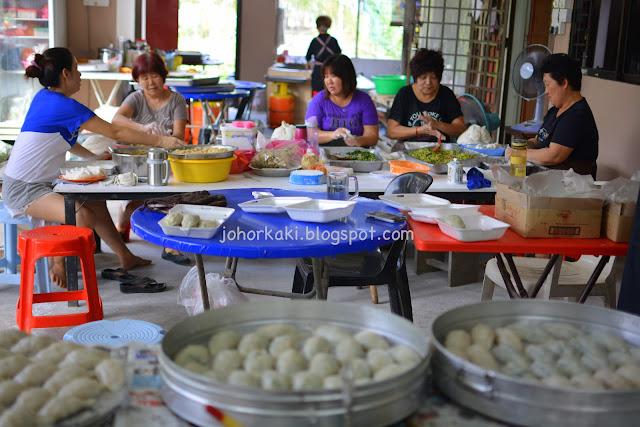 Hakka-Dumplings-Kelapa-Sawit-Kulai-Johor-满庭芳茶餐室菜粄