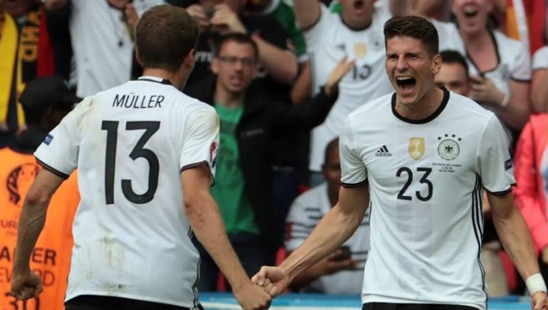 Thomas Muller dan Mario Gomez