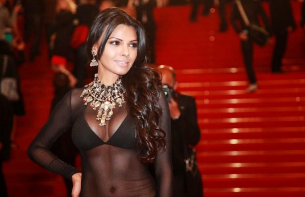 15 Artis Bollywood Menggunakan Baju Tembus Pandang