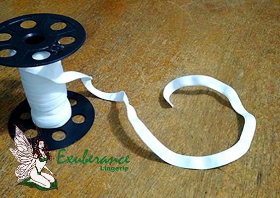 Vies usado para colocar o aro (ferrinho) do sutiã