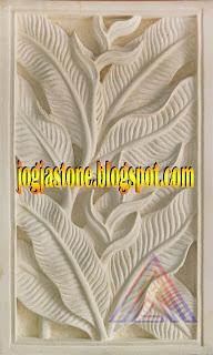 Relief dari batu alam putih Motif  Pisang Bali