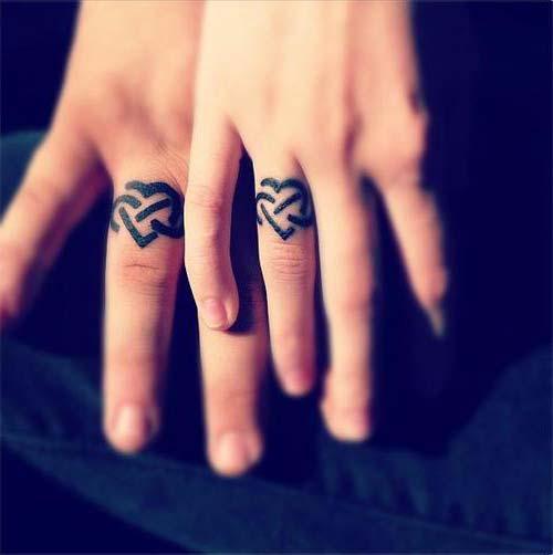 wedding ring tattoo black siyah yüzük parmağı dövmeleri