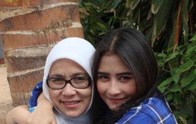 Bungkam: Ibunda Tidak Percaya Kalo Prilly Latuconsina Hina Keluarga Aliando