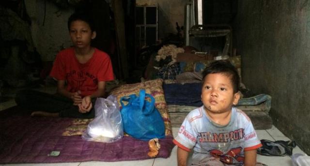 Kisah Anak 16 Tahun Nafkahi Sang Adik karena Ditinggal Pergi Orangtua