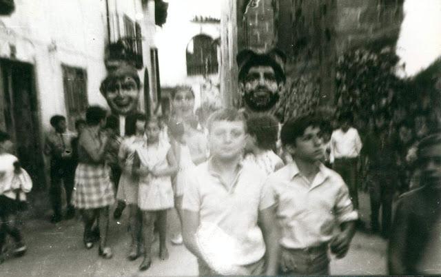 fotos antiguas, Beceite, Beseit, blanco y negro, b&n, blanco, negro, sepia, fiestas mayores cabezudos