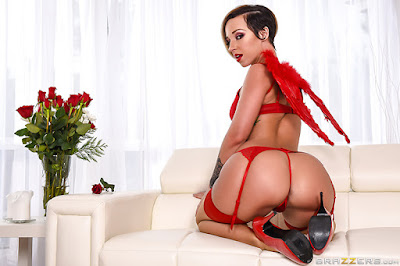 Jada Stevens – Lubed Up Cupid