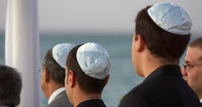 Um goy e muitos judeus