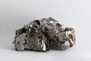 Mineral Indah Namun Berbahaya, Arsenopyrite