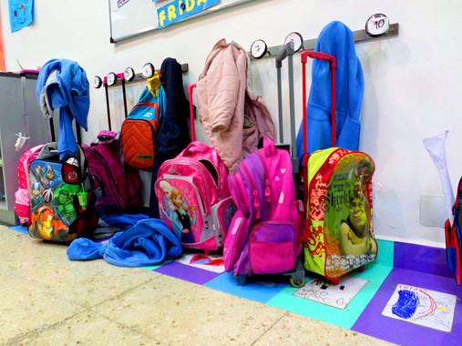 ea1a79ad0 El carrito escolar es mejor para la espalda de los niños que las mochilas |  La Oropéndola Sostenible