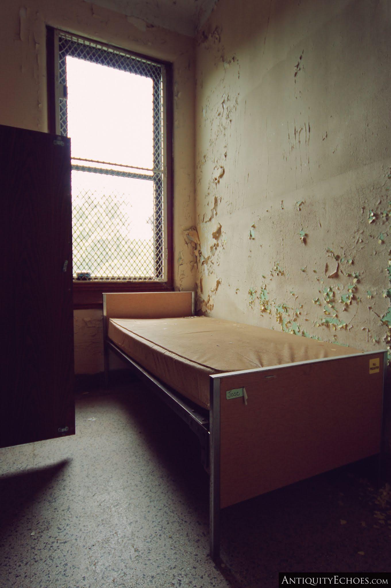 Overbrook Asylum - Jose's Bed