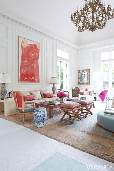 The glam pad a glamorous texas home by beverly field for Veranda living rooms